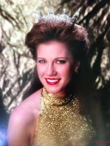 Patricia Murray (then Northrup) dons the Miss California crown in 1992