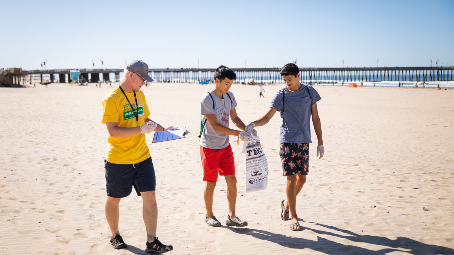 Students participate in a Beach Clean Up at Pismo Beach